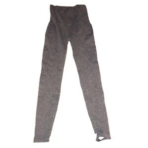 ASSETS by Sara Blakey gray stirrup pants size 1x